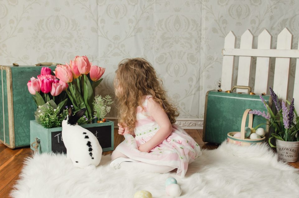 Evie Easter Mini